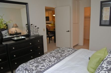 $1900  1br - 800ftsup2 - CORPORATE HOUSING CALL US FOR FURNISHED SHORT TERM LEASING (COSTA MESA)