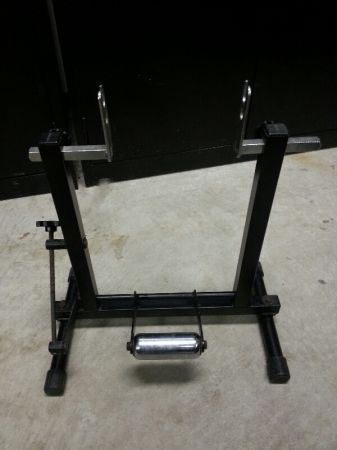 bicycle trainer  - $40 (Cypress )