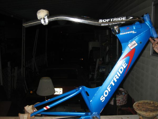 Blue softride frame bike  -- excellent condition almost new - $300 (westminster ca)