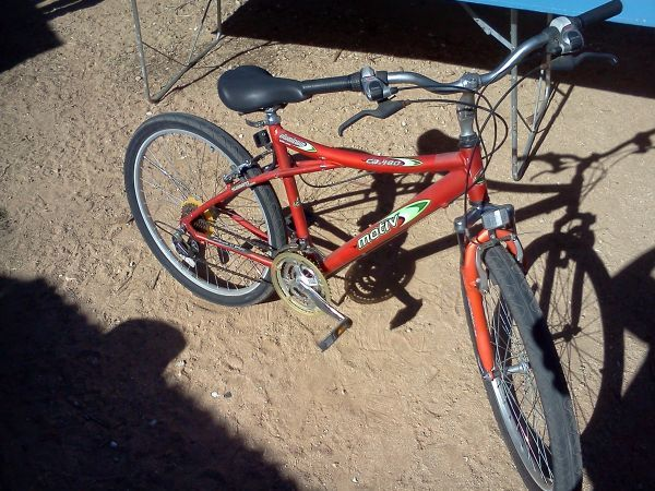 TOP OF THE LINE - Motiv- Mens 26  21 speed Mountain bike      - $135 (Apple Valley  Hesperia  High Desert Area)