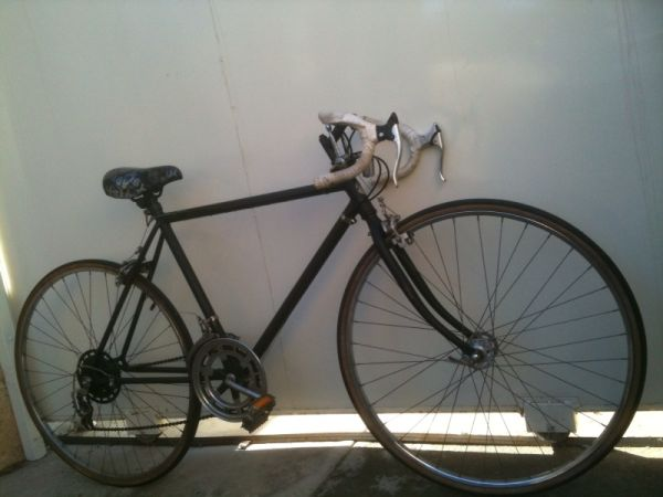 ------ SCHWINN ROAD BIKE  MATTE BLACK  53CM  10-SPEED  LIGHTWEIGHT - $120 (--------- CARSON -----------)