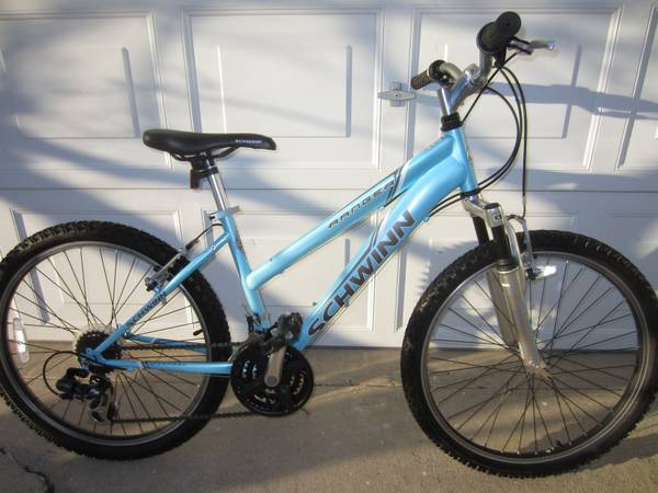 SCHWINN RANGER 24 KIDS MOUNTAIN BIKE - $89 (COSTA MESA)