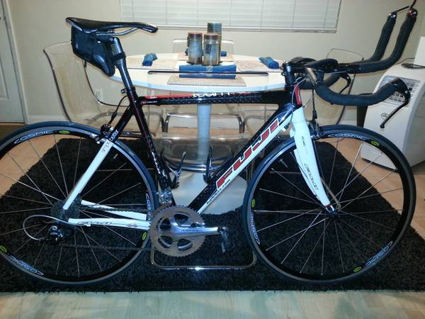 2010 Fuji Team RC Full Carbon Fiber 54cm Road  Tri Bike in Mint Condi - $1500 (Newport Beach)