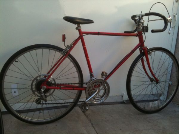 __ SCHWINN ROAD BIKE  50CM  10-SPEED  MADE IN JAPAN  READY TO RIDE - $100 (---------- CARSON -----------)