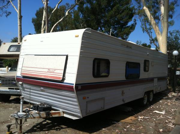 1989 Fleetwood Terry resort- Travel Trailer - $1900 (San Juan Capistrano)