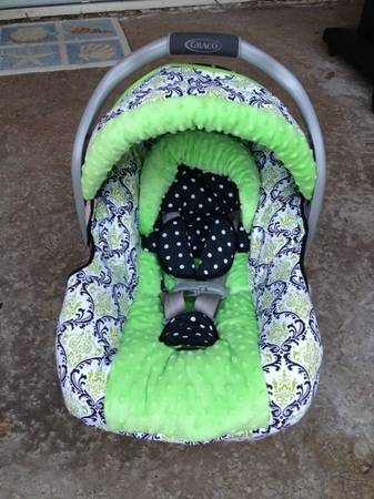 Beautiful 5 piece carseat cover set - $30 (Laguna Niguel, CA)