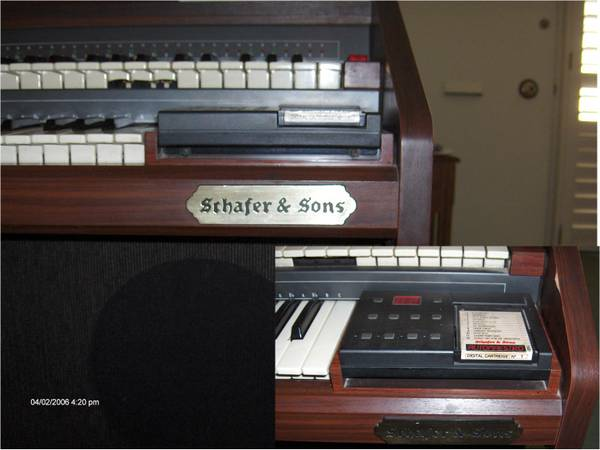Schafer  Sons Electric Organ - $40 (La Habra)