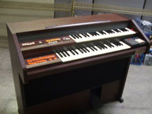 Schafer  Sons Spinet Organ Model WS05A - $90 (La Habra)
