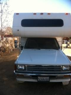 X clea rv great gas mileage toyota dolphin 1988 - $5500 (Yucca Valley)