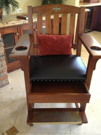 2 Brunswick Players Chair - $1 (Cathedral City)