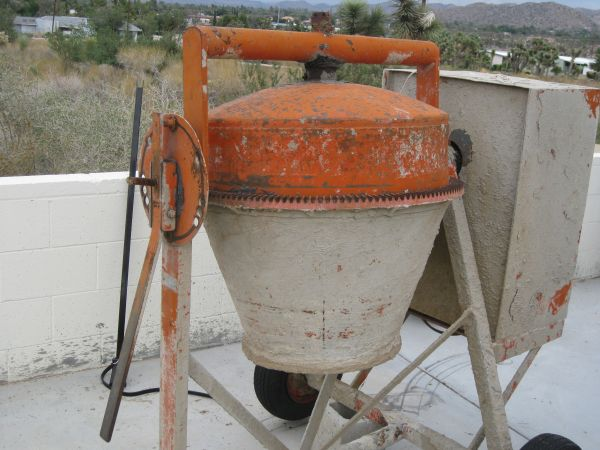 Electric Canoga Cement Mixer - $900 (Yucca Valley)