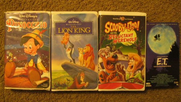 DISNEY - Lion King, Pinocchio, Scooby Doo, and ET VHS - $4 (near El Paseo, Take the whole lot)