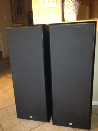 JBL G400 SPEAKERS TOWER - $180 (RANCHO CUCAMONGA)
