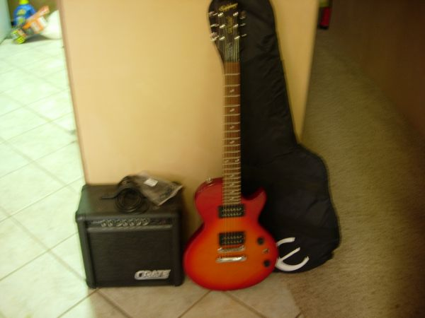 Gibson Epiphone Special model WAmp - $125 (Yucca Valley  Landers)