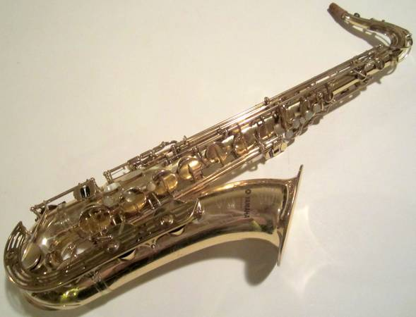 YAMAHA YTS-61 TENOR SAXOPHONE PURPLE LOGO - $1300 (Palm Springs)