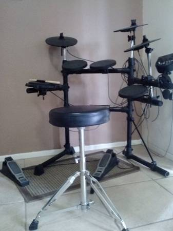 Alesis DM6 USB Kit Electronic Drum Set - $300 (Palm Springs)