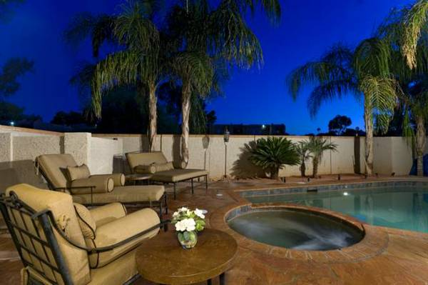 - $1350  4br - JULY AVAILABILITYLAST MINUTE SPECIALS (Scottsdale)