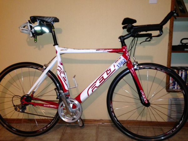 2009 58cm Felt S32 TT triathlon Bike - $800 (20th and Glendale)
