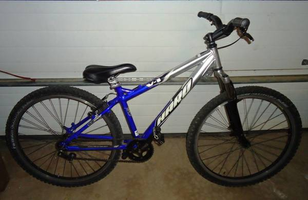 HARO V1 26 mountain bike dirt jumper single speed - $250 (gilbert)