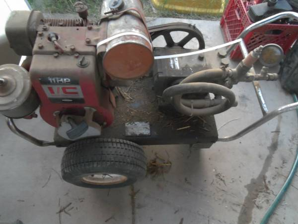 Pressure Washer or Go Kart Engine Cast Iron 11 HP Briggs  Straton - $175 (43rd Ave  Thund)