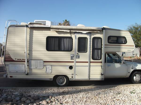 toyota rv dolphin sea breeze 154,260 miles 1988 very good shape, clean - $5000 (west valley)