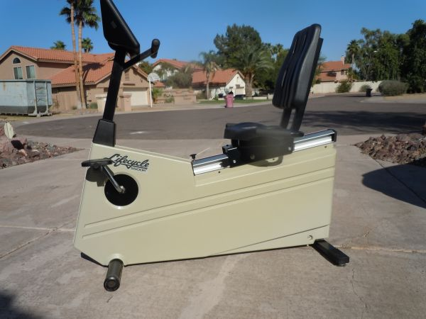 Lifecycle Recumbant Model 5500R-like new - $350 (Scottsdale Road and Cactus)