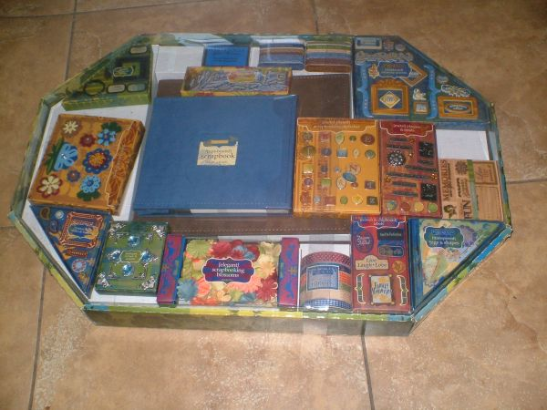 250 piece scrapbooking kit NEW - $15 (gilbert)