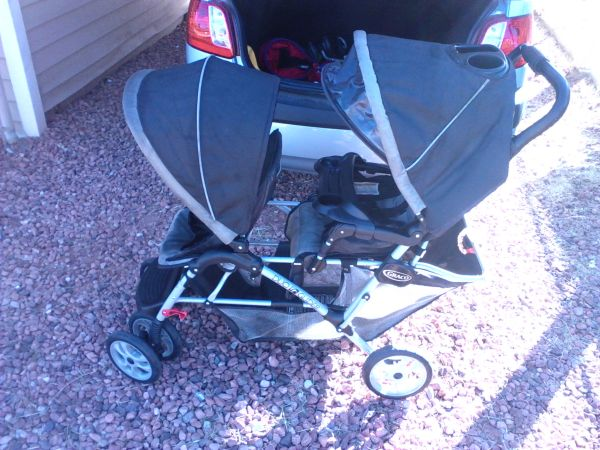 BABY GEAR,TOYS,CLOTHES, SHOES MOVING MUST SELL - $1 (down town phoenix )