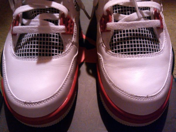 Fire Red 4s Size 10.5 (Meet)