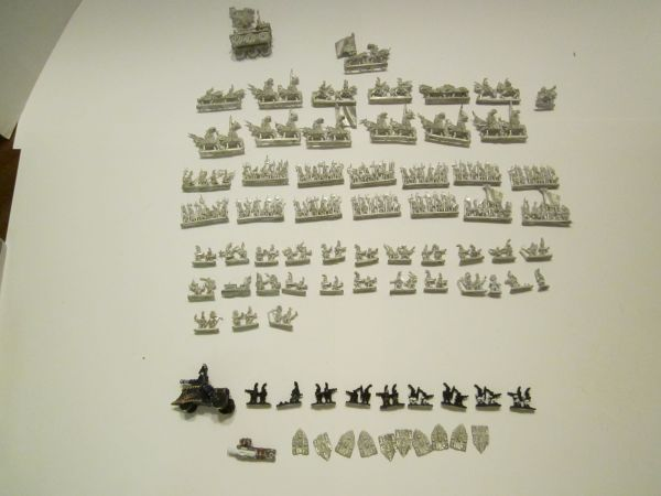 Metal figures knights and others - $50 (Chandler)