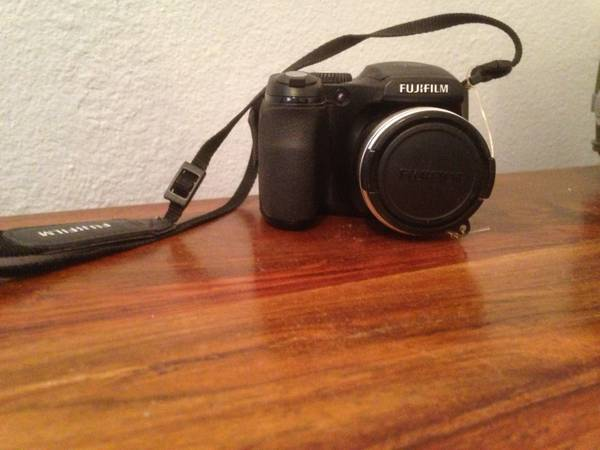 Fujifilm FinePix S700 digital camera - $60 (Central Phoenix)