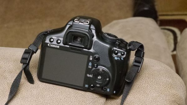 CANON EOS Rebel XSi Digital SLR 12.3 MP CAMERA WITH 2 LENS  - $375 (PHOENIX-Everything you need to start taking pictures)