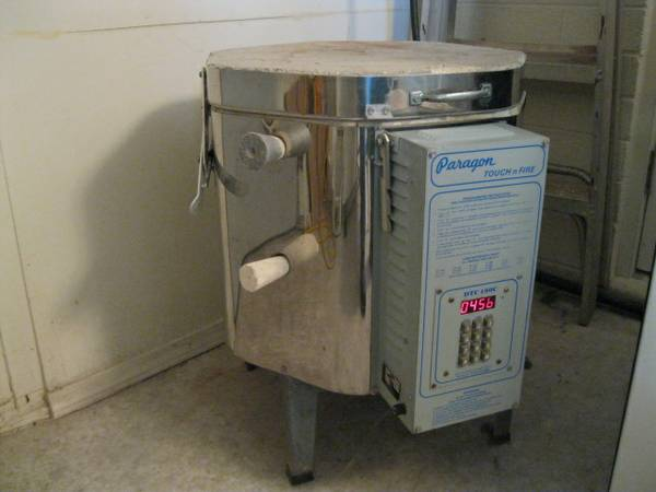 PARAGON TNF-66 DIGITAL PROGRAMABLE TOUCH-N-FIRE ELECTRIC KILN - $425 (RIMROCK,AZ.86335 VERDE VALLEY)
