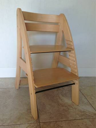 Lovely Euro Ll Grow With Me Chair   $55 (Stoneridge PV)