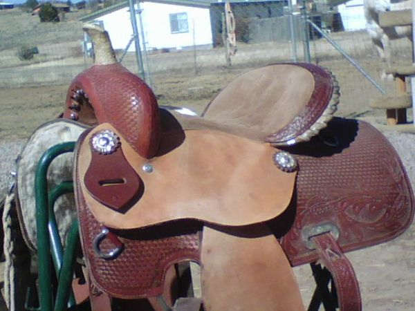 Barrel saddle trade or sell - $500 (chino valley)