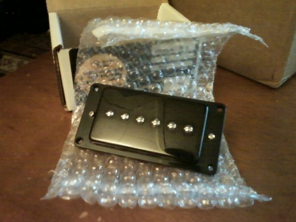 guitar pickups - trade for effects (Prescott)