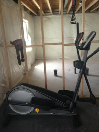 Golds Gym StrideTrainer 410 Elliptical - $300 (Spanish Fork )
