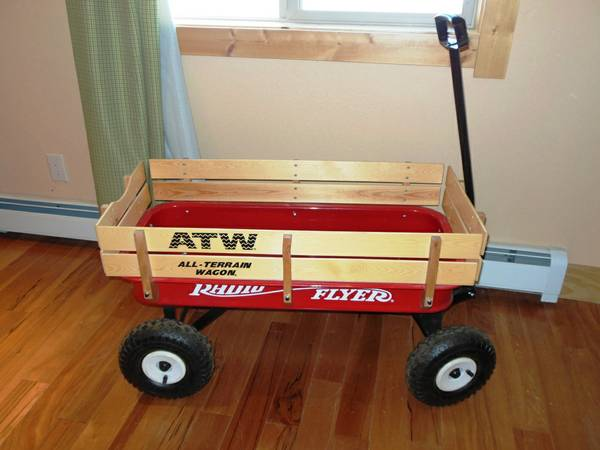 RADIO FLYER ATW WAGON  LIKE NEW MAKES A GREAT GIFT - $115 (Truckee  N. Tahoe)