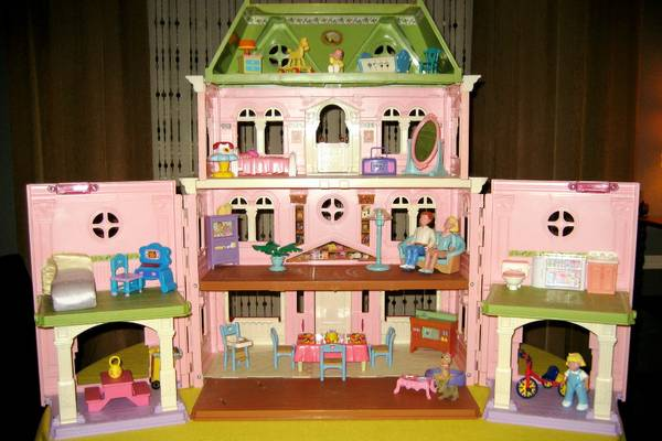 HUGE Fisher-Price Loving Family GRAND Victorian Dollhouse  37 pcs  - $45 (RenoSTEAD)