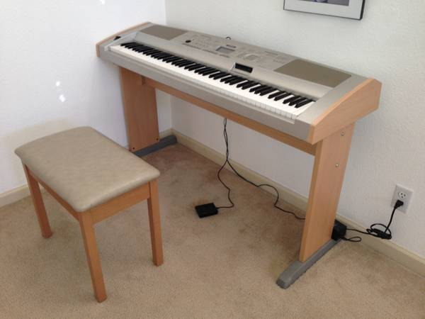Yamaha Portable Grand DGX-500 - $375 (Reno, NV)