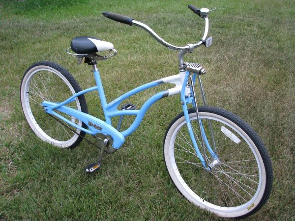 Bike, Del Sol Shore Liner Beach Cruiser, blue 26 Beachcruiser bicycle - $200 (South West Oceanside coast)