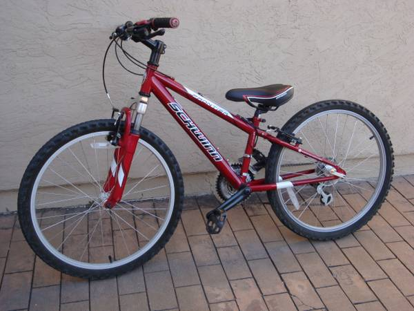 Schwinn Frontier Kids Mountain Bike-Really Clean-(OBO) - $220 (Tierrasanta)