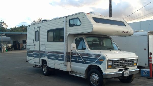 span classstarspan  1988 22 Honey RV - Motorhome - Sell or Trade for .................... - $3800 (Spring Valley)