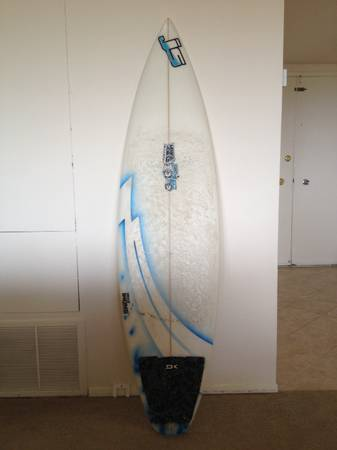 5 11  JS Surfboard Bruce Model Like NEW - $400 (Cardiff by the Sea)