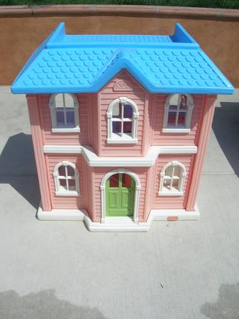Little Tikes BIG Doll House  - $75 (Vista)