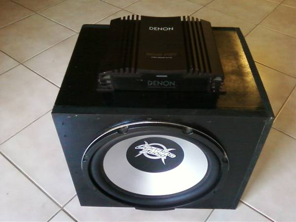CarTruck Sub  Amp  - $100 (Vista)