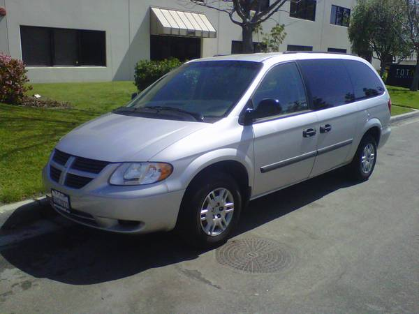 2005 Grand Caravan   Excellent Van - $5977 (Ventura, located by main st Target)