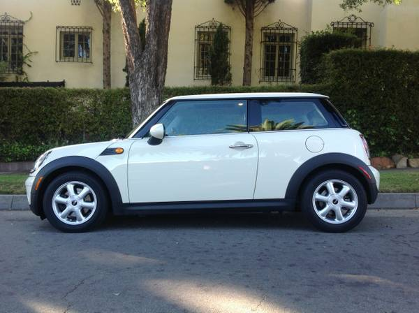 2009 MINI Cooper Hardtop still under warranty - $14550 (Santa Barbara)