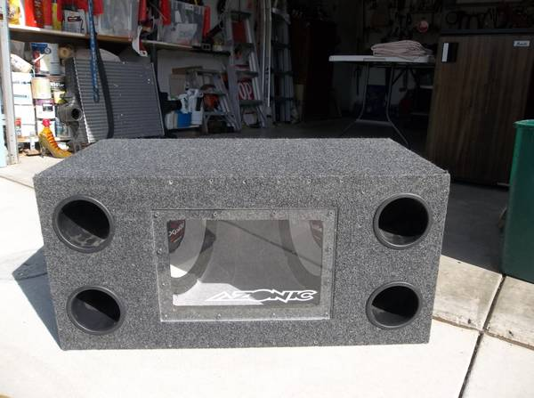 LOOK Speaker box with Sony 12 inch xplod speakers COOL - $125 (Buellton)
