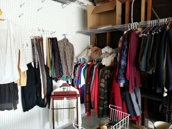 garage sale (buellton)